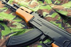 Shooting AK-47 + Gun pour mon EVG à Kiev