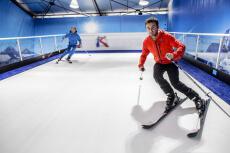 Ski indoor  pour mon EVJF à Lille | Enterrement de vie de jeune fille | idée evjf | idée enterrement de vie de jeune fille | activité evjf |activité enterrement de vie de jeune fille