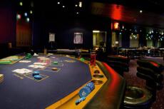 Soirée Casino  pour mon EVG à Annecy | Enterrement de vie de garçon | idée enterrement de vie de garçon | activité enterrement de vie de garçon | idée evg | activité evg