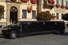 Stretch Hummer Airport Transfers  for my Prague Hen Party | Maximise Hen Weekends