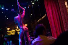 Strip Club & bouteilles pour mon EVG à Anvers | Enterrement de vie de garçon | idée enterrement de vie de garçon | activité enterrement de vie de garçon | idée evg | activité evg