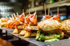 Unlimited Tapas Dinner for my Anvers Stag Do | Maximise Stag Weekends