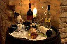 Vins & Produits Locaux pour mon EVJF à Dijon   Enterrement de vie de jeune fille   idée evjf   idée enterrement de vie de jeune fille   activité evjf  activité enterrement de vie de jeune fille