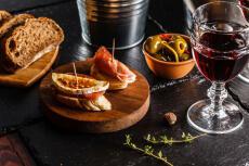 Wein & Tapas für meinen JGA in Liège   Junggesellenabschied