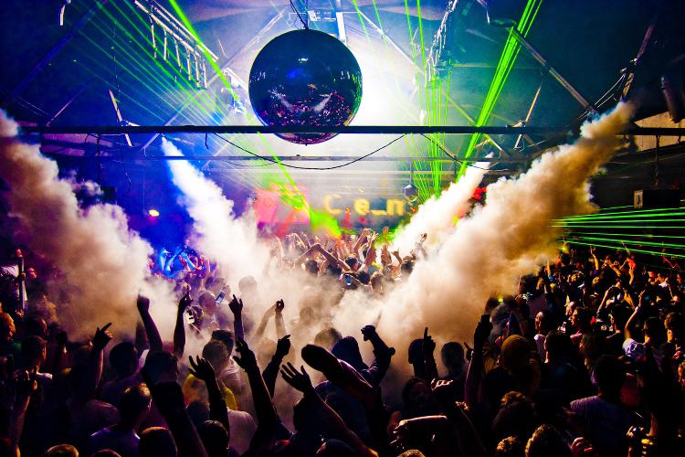 crazy night, club, boite de nuit, entrée en boite de nuit, evg, enterrement de vie de garcon